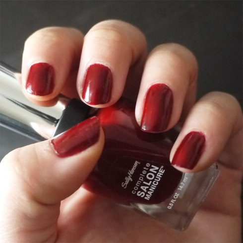 Red-Zin-610,-Sally-Hansen,-Salon-Manicure,-god-neglelak