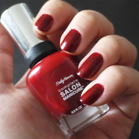 Red-Zin-610,-Sally-Hansen,-Salon-Manicure