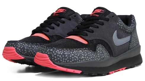 nike-air-safari-black-grey-solar-red