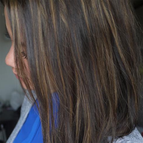 Frisørskolen, billig frisør, resultat, anmeldelse, hårfarvning, striber, hår, hair, brunette